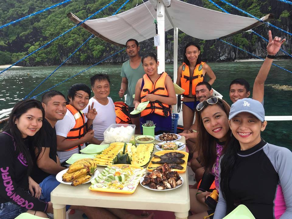 Gratifying lunch in Palawan