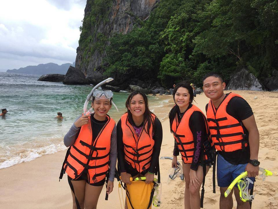 Satisfied Customers in palawan island hopping